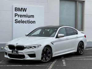 BMW M5 M5 ・純正HDDナビ・全周囲カメラ・前後PDCセンサー・ブレーキ軽減・レーンチェンジウォーニング・SOSコール・ブラックレザーシート・シートエアコン・シートヒーター・レーンキープアシスト・ハーマンカードン