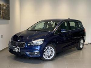 BMW 2シリーズ 218iグランツアラー ラグジュアリー ・認定保証・コンフォートパッケージ・アドバンスパーキングサポート・黒レザー・シートヒーター・電動シート・電動リアゲート・LEDライト・衝突軽減ブレーキ・レーンディパーチャーウォーニング・ミラーETC