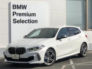 BMW 1シリーズ M135i xDrive デビューPKG・アクティブクルーズコントロール・ミラー内臓ETC・電動リアゲート・Mブレーキ・Mスポーツシート・ワンオーナー・純正HDDナビ・バックカメラ・LEDヘッドライト・前後PDC・F40