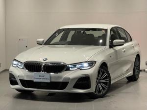 BMW 3シリーズ 320i Mスポーツ ・アクティブクルーズコントロール・純正HDDナビ・コンフォートパッケージ・LEDヘッドライト・全周囲カメラ・PDCセンサー・オートトランク・ミラー内蔵ETC・アンビエントライト・SOSコール・G20
