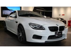 BMW M6 コンペティション・パッケージ装着車 MDCTドライブロジック ヘッドアップディスプレイ サラウンドビュー インテリジェントセーフティー レーンディパーチャーウォーニング レーンチェンジウォーニング クルーズコントロール ハーマンカードン