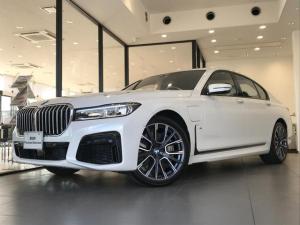 BMW 7シリーズ 745e Mスポーツ 弊社デモカー ブラックレザーシート ヘッドアップディスプレイ BMWレーザーライト 20インチアルミホイール 全周囲カメラ コンフォートシート 電動トランク レーンキープアシスト