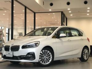 BMW 2シリーズ 218dアクティブツアラー ラグジュアリー 弊社デモカー パーキングサポートPKG バックカメラ ACC 前後パークディスタンスコントロール コンフォートPKG シートヒーターオイスターレザーシート パーキングアシスト  純正17インチAW