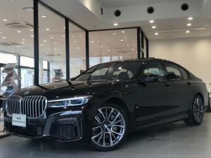BMW 7シリーズ 740d xDrive Mスポーツ 弊社デモカー ブラックレザーシート 禁煙車 純正20インチアルミホイール アクティブクルーズコントロール シートヒーター HDDナビ バックモニター ミラー純正ETC 地デジ ガラスサンルーフ