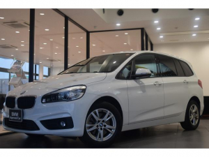 BMW 2シリーズ 218dグランツアラー 純正HDDナビゲーション LEDヘッドライト LEDフォグライト コンフォートパッケージ オートマチックテールゲート プラスパッケージ オートエアコン スマートキー プッシュスタート バックカメラ