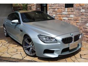 BMW M6 グランクーペ 4.4 インディビジュアル フローズンシルバー ブラックレザースポーツシート ヘッドアップディスプレイ 20インチアルミ コンフォートアクセス