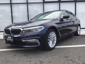 BMW 5シリーズ 523dラグジュアリー弊社1オナ禁煙車黒革イノベーションP