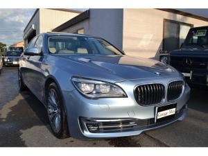 BMW 7シリーズ アクティブハイブリッド7 Dアシストプラス  プラスPKG Aトランク SクローズD ダコタレザーシートOYSTER Sヒータ リア3面ロールブラインド SR ランバ アダプティブLEDヘッド LEDフォグ HアップD PDC