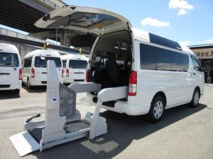 トヨタ レジアスエースバン 6AT 福祉車両ウェルキャブBタイプ車イス2台 新車保証書付