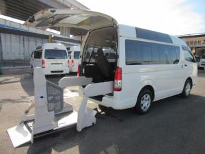 トヨタ レジアスエースバン  6AT 福祉車両ウェルキャブBタイプ 車イス2台固定 10人乗 サンルーフ 電動Sステップ 電動リフト バックカメラ キーレス 事業用登録可
