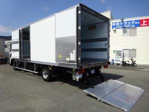 いすゞ フォワード  冷蔵冷凍車 低温 -30℃設定 床下格納ゲート 左片開き扉 ワイド ベッドレス 2.7t積載