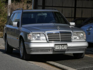 メルセデス・ベンツ ミディアムクラス 300TE 300TE(7名) 94フェイス 左H ディーラー車 整備付き価格