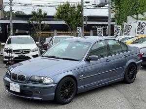 BMW 3シリーズ 318i Mスポーツ Mスポーツ純正フルエアロ 5速マニュアル車 ピロアッパー付減衰力調整車高調サスペンション 社外マフラー WORK16インチアルミホイール 正規ディーラー車 取説保証書 付属品 3ヶ月安心保証