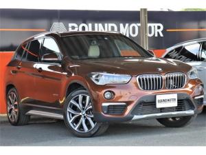 BMW X1 xDrive 20i xライン 4WD 1年保証付 1オ-ナ- サンルーフ・HDDナビ・CD・BT・USB・ミラーETC・Bカメラ・19AW・ベージュ革シート・シートヒータ・スマートキー・Pリアゲート・LED・アイドルストップ・衝突軽減B