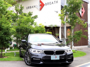 BMW 5シリーズ 523dツーリング Mスポーツ ハイライン/イノベーションパッケージ サンルーフ 純正メーカーナビ/フルセグ 全方位カメラ ダコダレザー 全席シートヒーター LEDオート 全車速ACC パワーバックドア HUD ワンオナ 禁煙車