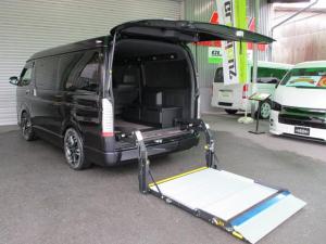 トヨタ ハイエースバン スーパーGL ダークプライムII トランスフォームVer.F カスタム福祉車両モデルS 8ナンバー車椅子移動車 横開機能付き電動リフト セカンドキャプテンシート モデリスタエアロ 介護送迎