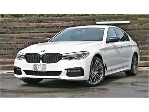 BMW 5シリーズ 530e Mスポーツアイパフォーマンス 黒革 インテリS