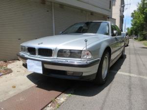 BMW 7シリーズ 750iL 本革黒シート サンルーフ