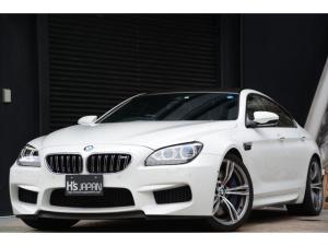 BMW M6 グランクーペ カーボンルーフ カーボンインテリアトリム 20インチMアロイホイール ソフトクローズドア
