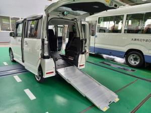ホンダ N-BOX+カスタム G 4WD 車いす仕様車 福祉車両 スローパー スロープ ナビ バックカメラ 左自動ドア
