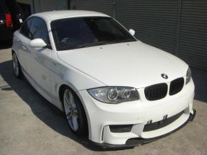 BMW 1シリーズ 135iクーペ Mスポーツ 6MT 135I Mスポーツパッケージ6MT 車高調 レインセンサー キセノンライト ダブルスポーク18アルミ レッドレザースポーツシート パワーシート シートヒーター 革巻きステアリング 純正ナビ ETC
