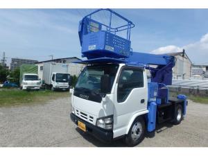 いすゞ エルフトラック  タダノ製12m高所作業車AT121TGF車両の長さ4.45mコンパクト設計です。