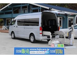 トヨタ ハイエースコミューター 福祉車両 リアリフト 車椅子4基 電動固定 サイドステップ