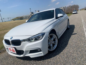 BMW 3シリーズ 318i Mスポーツ 後期モデル/純正HDDナビ/LEDヘッドライト、フォグ/レーンディパーチャー/レーンチェンジウォーニング/インテリジェントセーフティシステム/バックモニター/ビルトインETC2、0/1、5L直3ターボ