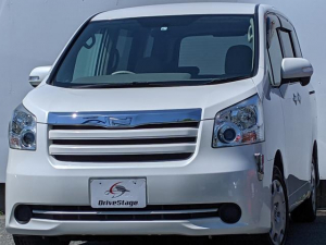 トヨタ ノア X スマートエディション SDナビ・フルセグTV/フリップダウンモニター/リアモニター/両側パワースライドドア/Bluetooth/DVD再生/ETC/スマートキー/HIDヘッドライト/バックカメラ