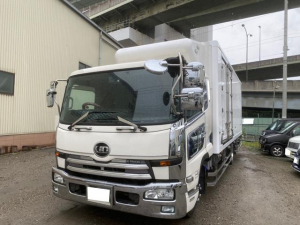 UDトラックス コンドル  冷蔵冷凍車