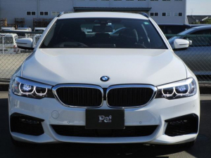 BMW 5シリーズ 523dツーリング Mスピリット ディーラー使用車 ナビ バックカメラ ETC フルセグ アダプティブクルーズコントロール 電動テールゲート クリーンディーゼル