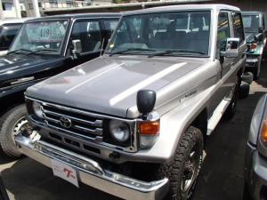 トヨタ ランドクルーザー70 LX メタル 5速MT ディーゼル 4WD サンルーフ 社外アルミ CD キーレス