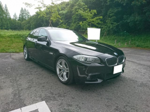 BMW 5シリーズ 528i Mスポーツパッケージ 本革シート サンルーフ TV