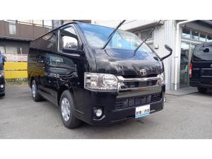 トヨタ ハイエースバン  ダークプライム 0.9