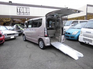 ホンダ N-BOX+ G・Lパッケージ 車いすスローパー 社外ナビ リアモニター