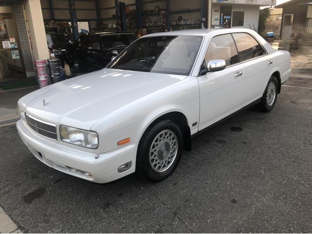旧車と呼ばないで。古いセドリックです。 かなりキレイなクルマです。これから旧車になろうと頑張っています。