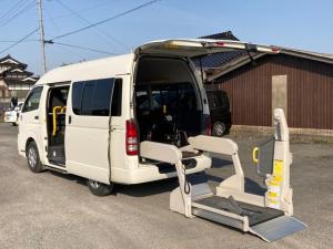 トヨタ ハイエースバン  ウェルキャブ Bタイプ ロング 福祉車両  車椅子1台 キーレス/バックモニター/イージークローザードア