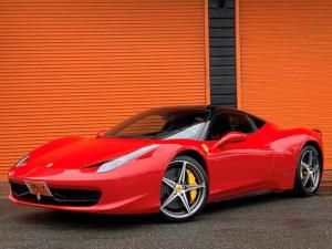 フェラーリ 458イタリア  F1DCT・左H・ツートンエクステリア・ロッソ&ネロスクーデリア・OPカーボンレーシングシート・OPカーボンファーバードライビングゾーン&LEDステアリング・Fリフター・鍛造20AW・Rカメラ
