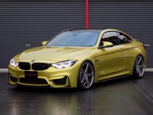 BMW M4 M4クーペ フルラッピング パワークラフト可変マフラー KW車高調 VOSSEN20inAW カーボンルーフ&エアロ 赤革シート 純正ナビ Bカメラ ハーマンカードン ドライビングアシスト HUD シートヒーター