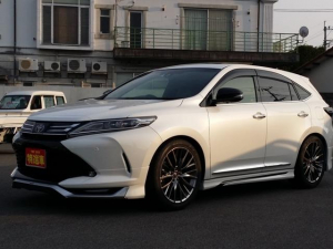 トヨタ ハリアー プログレス メタル アンド レザーパッケージ タナベ車高調