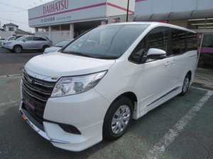 トヨタ ノア X ディライトプラス