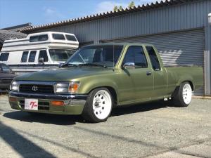 米国トヨタ ハイラックス 左H US 90EXT 2WD V6 ベンチシート スタンス