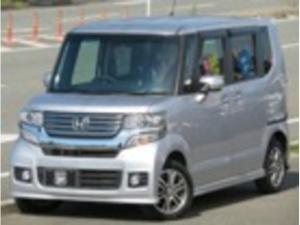 ホンダ N-BOXカスタム G・Aパッケージ 8インチプレミアムインターSDナビ4X4フルセグDVD可 音楽録音可Bluetooth 衝突軽減ブレーキ アイドリングSTOP 左側電動スライドドア HIDライト タイミングチェーン 車検整備2年付