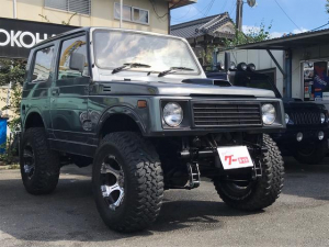 スズキ ジムニー 4WD 5速マニュアル