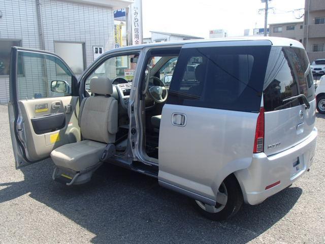 ★徹底した整備と内外装仕上げを行っております★ E 福祉車両 助手席スライドアップシート CD キーレス