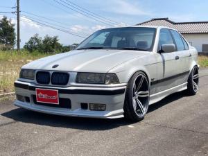BMW 3シリーズ 320i M6サイズホイール 9rc車高調 エアロ