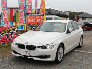 BMW 3シリーズ 320iラグジュアリー ブラウンレザーシート 純正ナビ