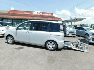 トヨタ シエンタ X スローパー 車いす電動固定装置 6人乗 ナビテレビ キーレス