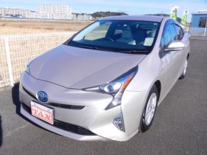 トヨタ プリウス S ・純正ナビ/Bluetooth/DVD/CD/ワンセグ/衝突軽減ブレーキ・禁煙車・保証書