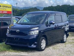 トヨタ ヴォクシー X Lエディション 車検整備付き 両側スライドドア 左側電動スライドドア オートAC オーディオ付 CVT ダークブルーマイカ 3列シート